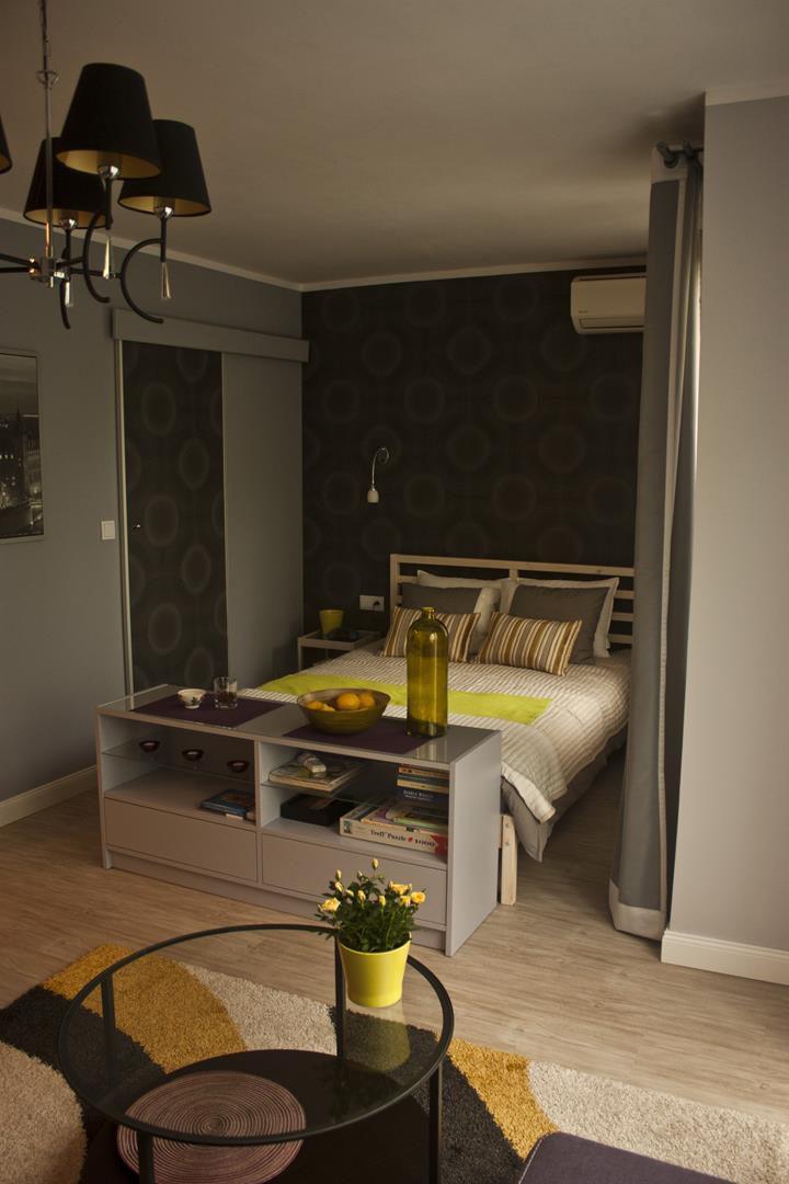 apartament z dużym łóżkiem