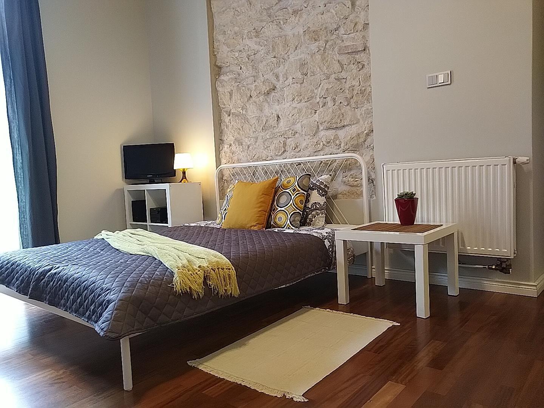 apartament 46A w Częstochowie łóżko podwójne